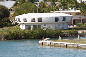 UFO House 4